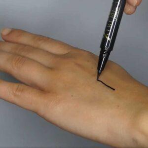 XTREME LASHES - Lash Densifying Liquid Eyeliner - Eyeliner liquide