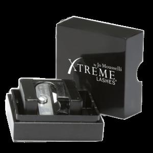Taille crayon idéal pour votre maquillage des yeux ou des lèvres Xtreme Lashes qui a été choisi par nos expertes en beauté globale de la peau chez Marinel Paris
